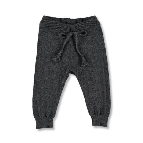 moda infantil. Pantalón de punto