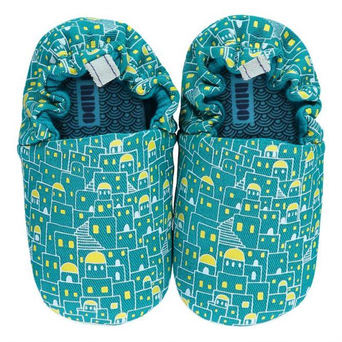 Poco Nido zapatos flexibles con estampados de casitas