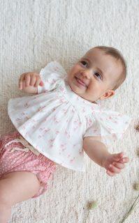 Blusa de bebé de Petit Indi